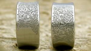 Обручальное кольцо с отпечатком пальца любимого человека