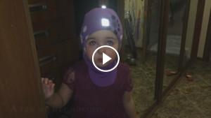 Маленькая девочка собирается уехать в Африку от злых родителей