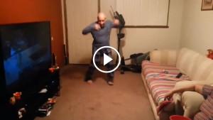 Сын спросил отца, умеет ли он танцевать