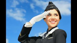 Почему лучше сесть в самолет последним? 6 полезных трюков от стюардесс