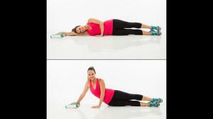 7 упражнений с полотенцем, которые заменят поход в тренажерный зал.