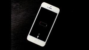 Как включить разряженный телефон?