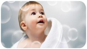 Лайфак: Как развлечь ребенка в ванной?