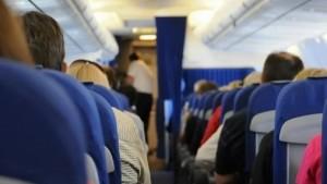 Веселый анекдот про случай в самолете!