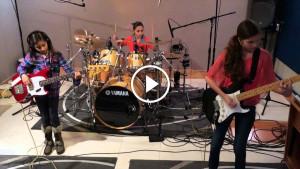 Хит Metallica в исполнении девочек-подростков покоряет сердца!