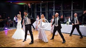 Лучший танец гостей на свадьбе, который только можно представить. Я еле успевала следить за их ногами!