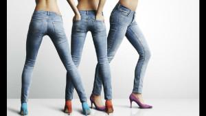 Вот в каком возрасте женщинам пора перестать носить длинные волосы и обтягивающие джинсы