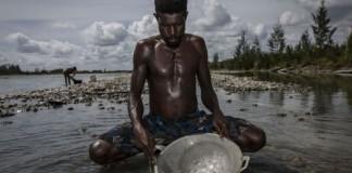 Как нелегально добывают золото в Индонезии