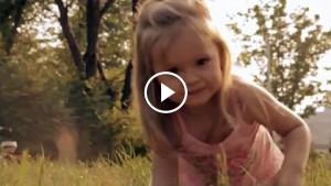 Этот ролик достоин Оскара! Посмотри на эту маленькую прелесть!