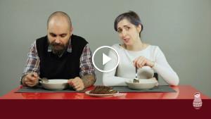Эмоциональные итальянцы пробуют русские супы