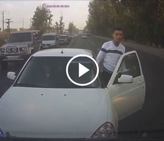Достойный ответ хама на дороге