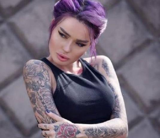 Симпатичные девушки с татуировками