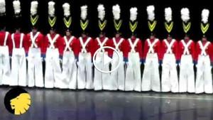 Этот танец оловянных солдатиков покорил весь мир! Фантастически красиво!